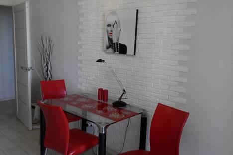 Сдается 1-комнатная квартира посуточнов Твери, Ул.Склизкова 44.