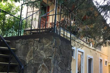 Сдается коттедж посуточно в Судаке, 36 улица Спендиарова.
