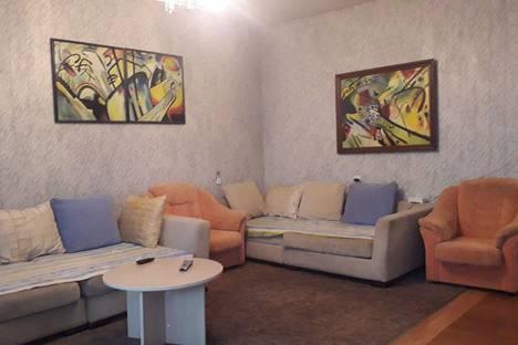 Сдается 3-комнатная квартира посуточно в Пензе, ул.Московская5.