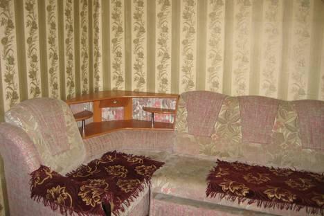 Сдается 2-комнатная квартира посуточно в Саратове, улица Тархова д 10.