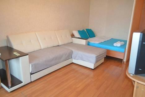 Сдается 1-комнатная квартира посуточнов Кемерове, Октябрьский проспект, 7.