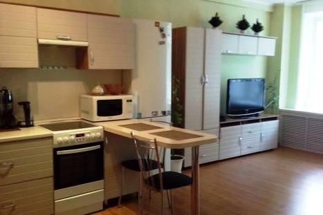 Сдается 1-комнатная квартира посуточно в Саранске, улица Ульянова 93.