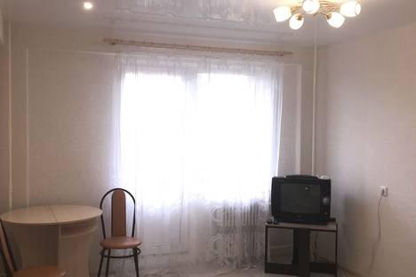 Сдается 1-комнатная квартира посуточнов Кирове, улица Современная, 2.