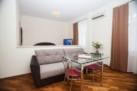 Сдается 1-комнатная квартира посуточно в Москве, Петровский пер., 1/30.