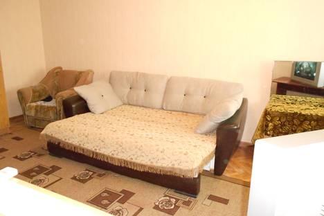 Сдается 1-комнатная квартира посуточно в Невинномысске, площадь 50 лет Октября 4.