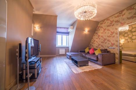 Сдается 2-комнатная квартира посуточнов Юбилейном, Мерзляковский переулок дом 13.