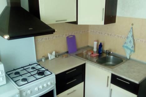 Сдается 1-комнатная квартира посуточнов Ангарске, 15-й микрорайон, 31.