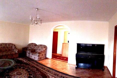 Сдается 3-комнатная квартира посуточно в Астане, проспект Абая 66.