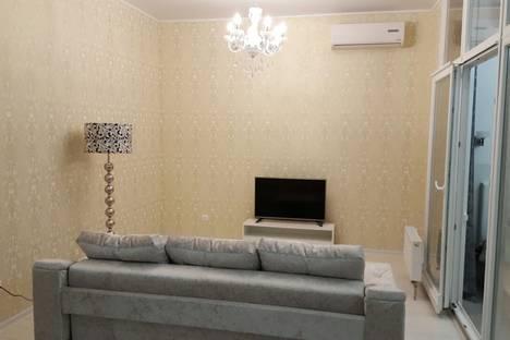 Сдается 2-комнатная квартира посуточнов Сочи, Адлерский, бульвар Надежд 42.