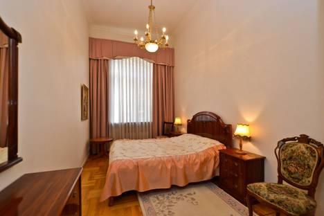 Сдается 4-комнатная квартира посуточно в Санкт-Петербурге, улица Рубинштейна, 3.