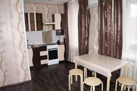 Сдается 2-комнатная квартира посуточно в Новосибирске, проспект Карла Маркса, 15.