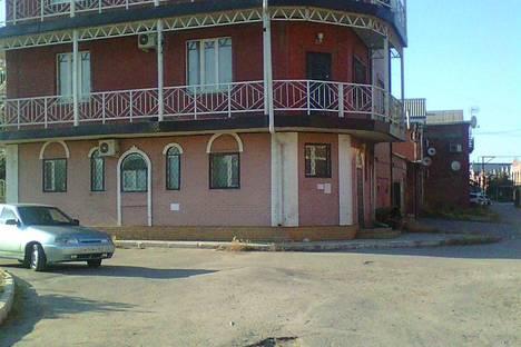 Сдается коттедж посуточно в Таганроге, ул. Адмирала Крюйса.