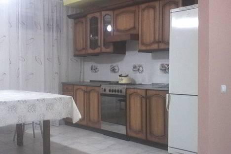 Сдается 2-комнатная квартира посуточно в Энгельсе, ул. Кривая, 93.