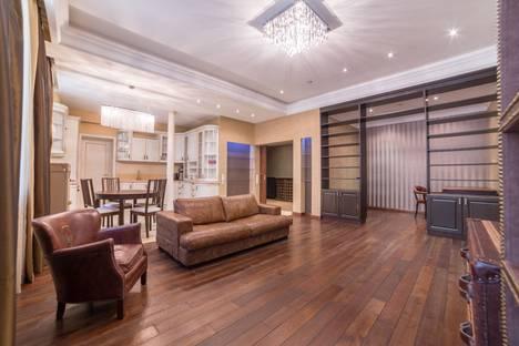 Сдается 2-комнатная квартира посуточнов Пушкино, улица Казакова 8с 6.
