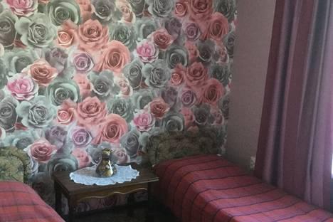 Сдается 1-комнатная квартира посуточно в Гурзуфе, ул. Вагулы 4.