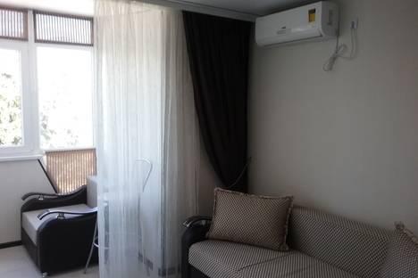 Сдается 1-комнатная квартира посуточно в Алуште, Крым,4 Ревкомовский переулок.