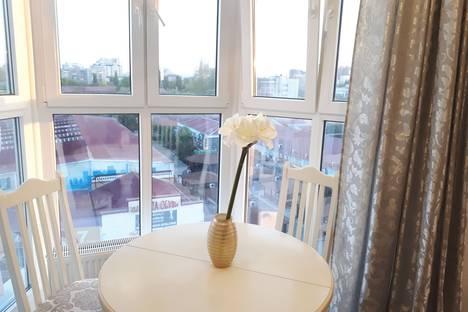 Сдается 2-комнатная квартира посуточнов Яблоновском, улица Красная, 176.
