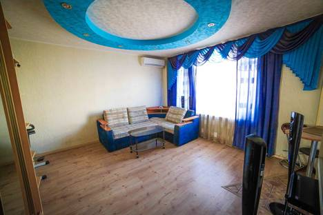 Сдается 1-комнатная квартира посуточно в Комсомольске-на-Амуре, Вокзальная улица, 49.