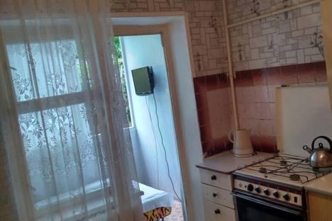 Сдается 2-комнатная квартира посуточно в Сочи, ул. Возрождения, 12.