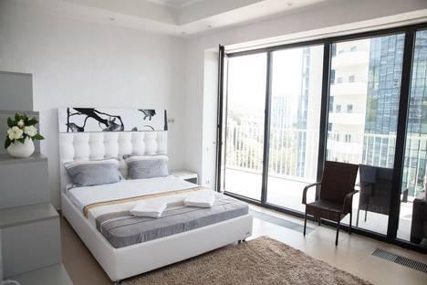 Сдается 1-комнатная квартира посуточнов Сочи, Курортный проспект, 105А.