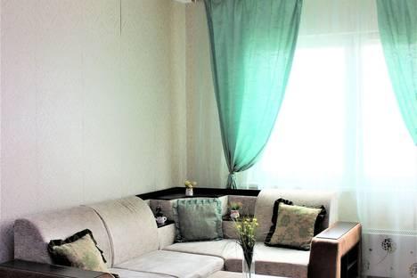 Сдается 3-комнатная квартира посуточно, улица Ивана Захарова, 10.