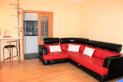 Сдается 3-комнатная квартира посуточно в Сургуте, улица Показаньева, 12.