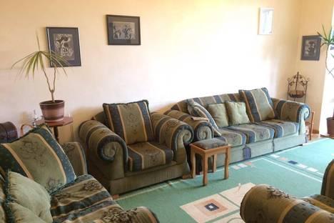 Сдается 2-комнатная квартира посуточно в Ереване, Armenia, Yerevan, 19 Griboyedov Street.