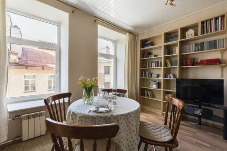 Сдается 1-комнатная квартира посуточнов Санкт-Петербурге, Малая Пушкарская улица, 30.