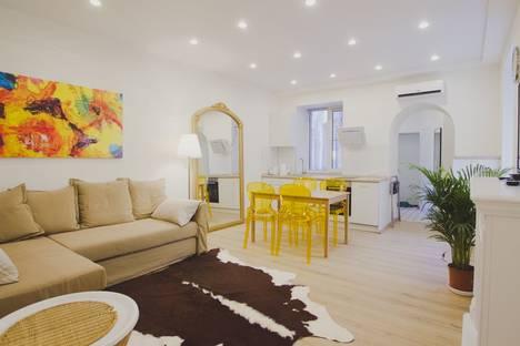 Сдается 2-комнатная квартира посуточнов Санкт-Петербурге, улица Рубинштейна, 8.