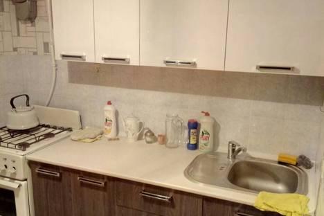 Сдается 1-комнатная квартира посуточно в Бишкеке, .Юг-2 микрорайон, дом 21..