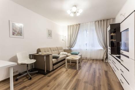 Сдается 2-комнатная квартира посуточно в Санкт-Петербурге, Санкт -Петербург, Коммунаров 188 к 1.