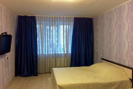 Сдается 1-комнатная квартира посуточно в Энгельсе, ул. Петровская, 90.