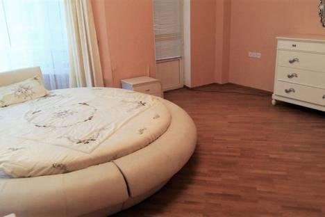 Сдается 3-комнатная квартира посуточнов Баку, 55 улица Рашида Бейбутова.