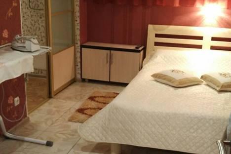 Сдается 2-комнатная квартира посуточно в Алуште, улица Платановая, 1.