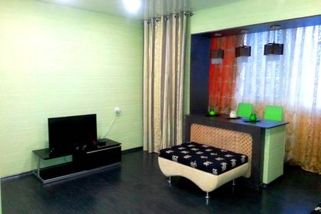 Сдается 1-комнатная квартира посуточно в Тобольске, 7 микрорайон д.36.
