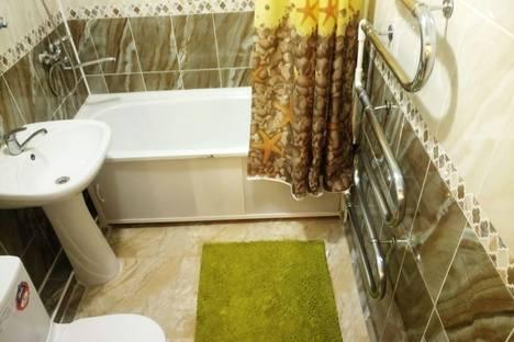 Сдается 2-комнатная квартира посуточнов Шымкенте, Шымкен ул.Айбергенова 1.