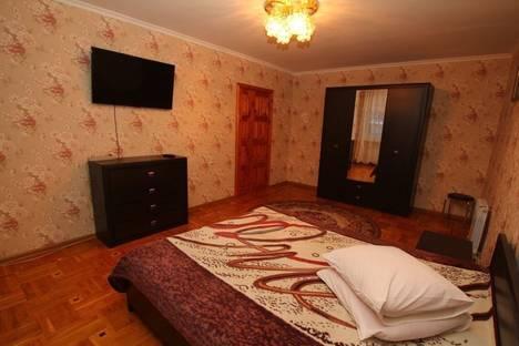 Сдается 4-комнатная квартира посуточно в Ялте, 2 Матросский переулок.