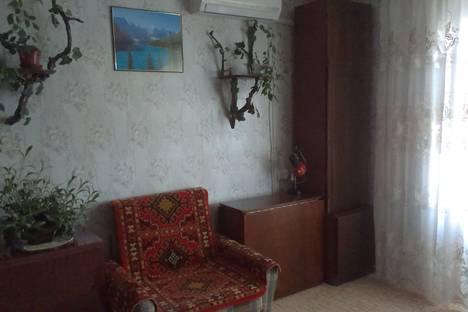 Сдается 1-комнатная квартира посуточно в Бердянске, улица Баха 40.