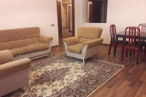 Сдается 2-комнатная квартира посуточно, Проспект Ходжалы 29.