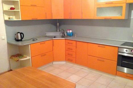 Сдается 2-комнатная квартира посуточнов Старом Осколе, Степной микрорайон д.18.