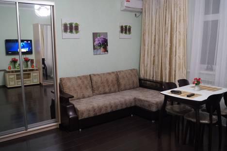Сдается 2-комнатная квартира посуточно в Адлере, улица Ленина 55.