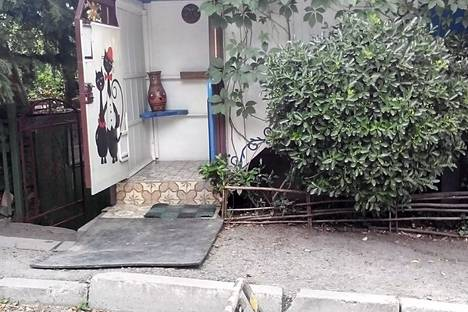 Сдается 2-комнатная квартира посуточнов Никите, Крым,ул. Коллективная, 6/2.