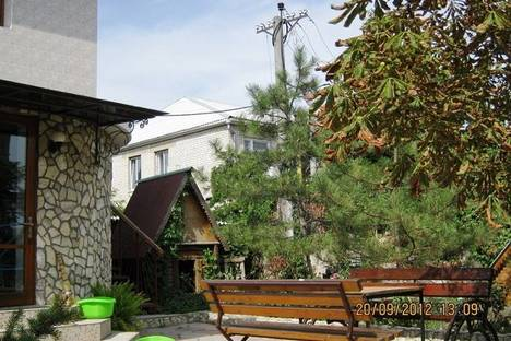 Сдается коттедж посуточно в Феодосии, 75 Черноморская набережная.
