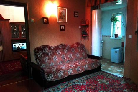 Сдается 2-комнатная квартира посуточно в Евпатории, 14 ул. Поповича, кв. 1.