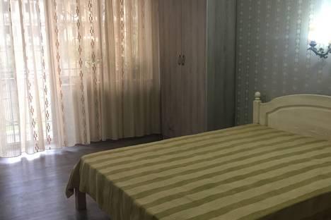 Сдается 1-комнатная квартира посуточно в Сухуме, Инал Ипа д6.