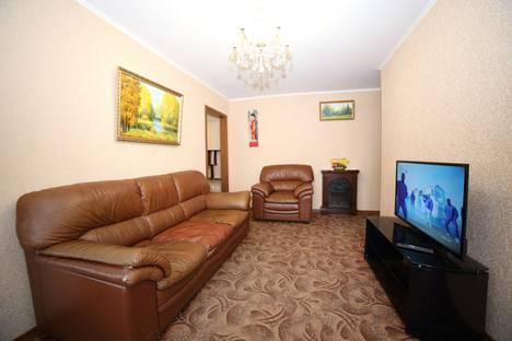 Сдается 3-комнатная квартира посуточно в Хабаровске, улица Пушкина 15.