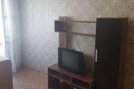 Сдается 2-комнатная квартира посуточнов Биробиджане, Набережная улица, 6.
