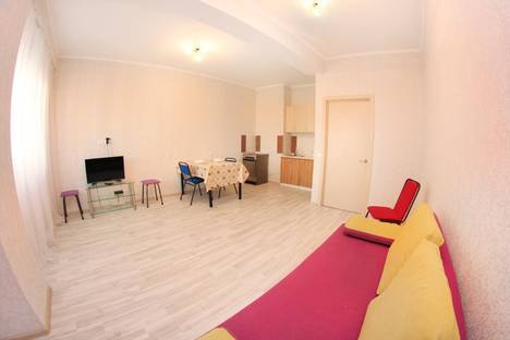 Сдается 2-комнатная квартира посуточнов Алматы, улица Навои 208/5.