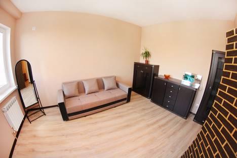 Сдается 2-комнатная квартира посуточно в Алматы, улица Навои 208.