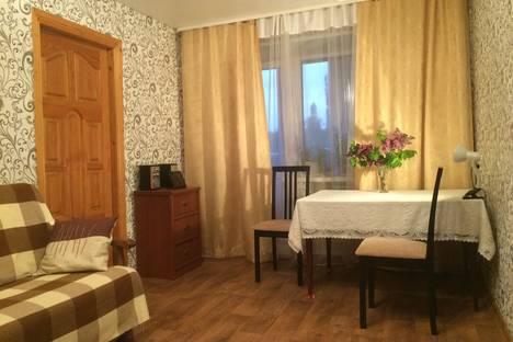 Сдается 2-комнатная квартира посуточно в Ельце, Коммнаров, 75.